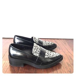 Zara Black & White Pointy Toe Loafers